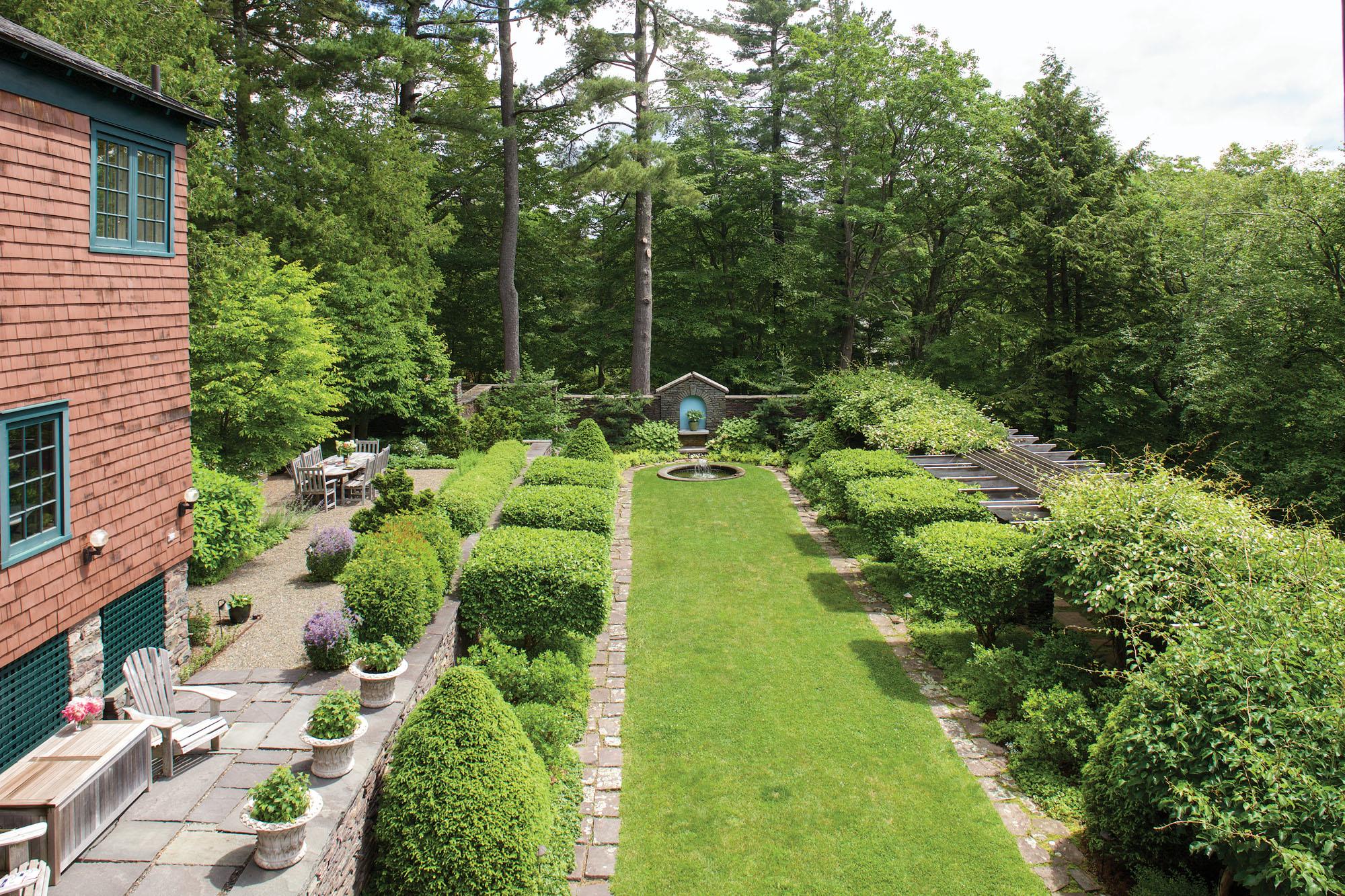 Taming Wildmuir, An English Garden