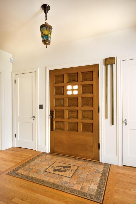 02_pearlstein_-front_door_tile_00259_gn-2