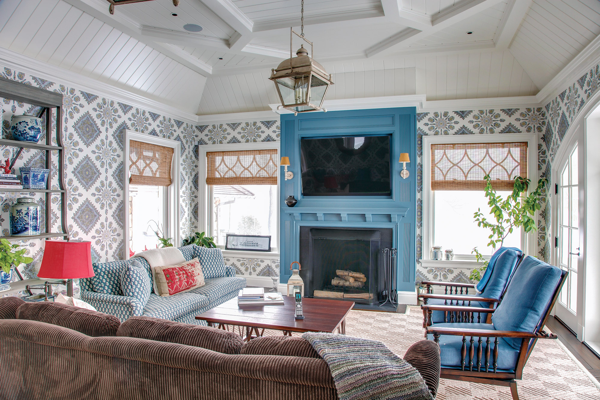 Shingle Style Family room