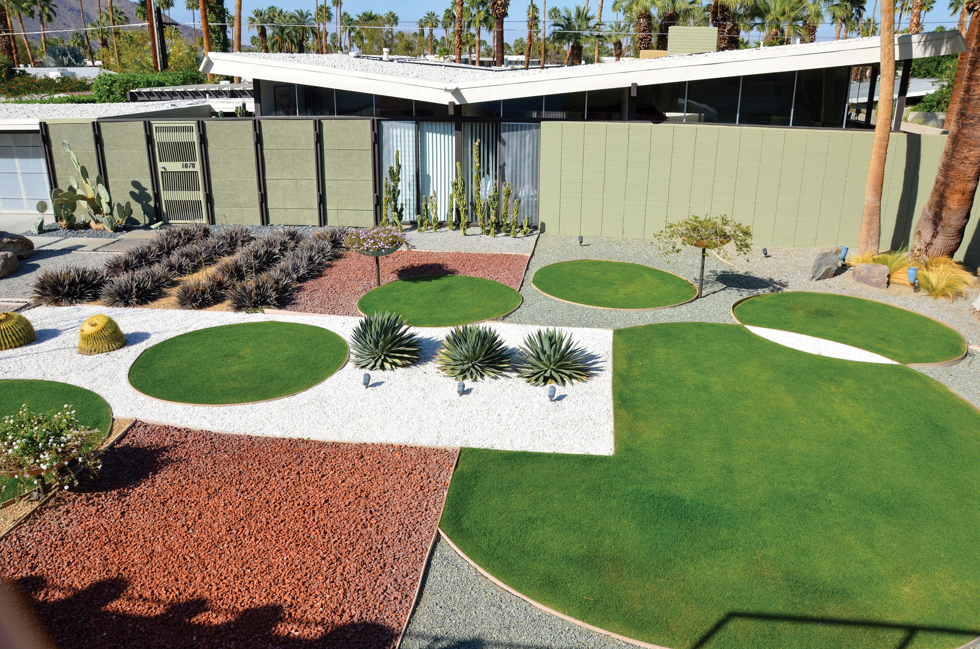 Modern Outdoor Spaces for Yard & Patio