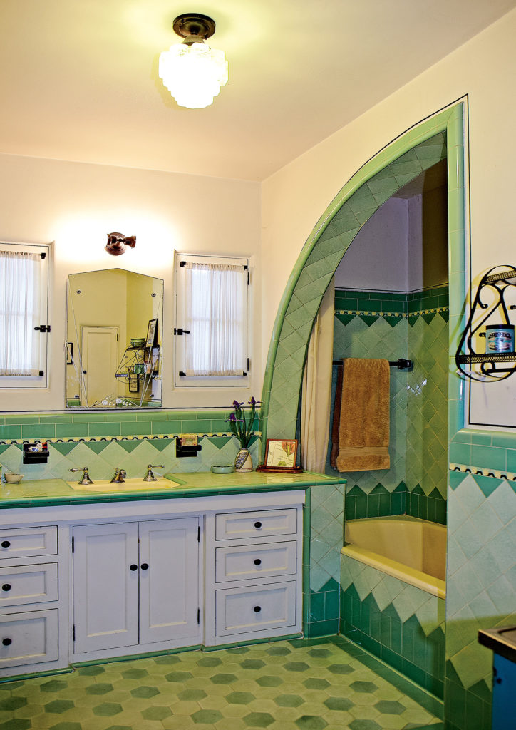 A Bright Art Deco Bathroom Old House Journal Magazine