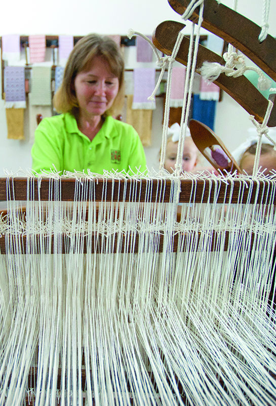 2-inset-weaving-in-centre-family_gn