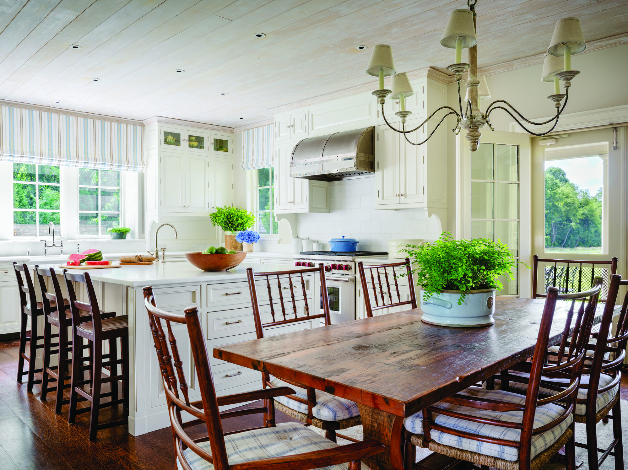 The kitchen offers a farmhouse appeal.