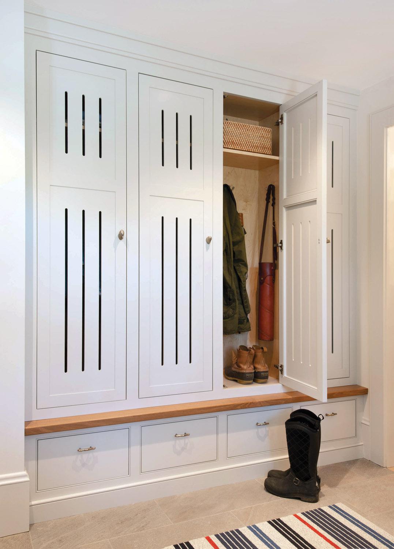 3-4 someplace as locker mudroom_CrownPoint_ mudrm-closet_im