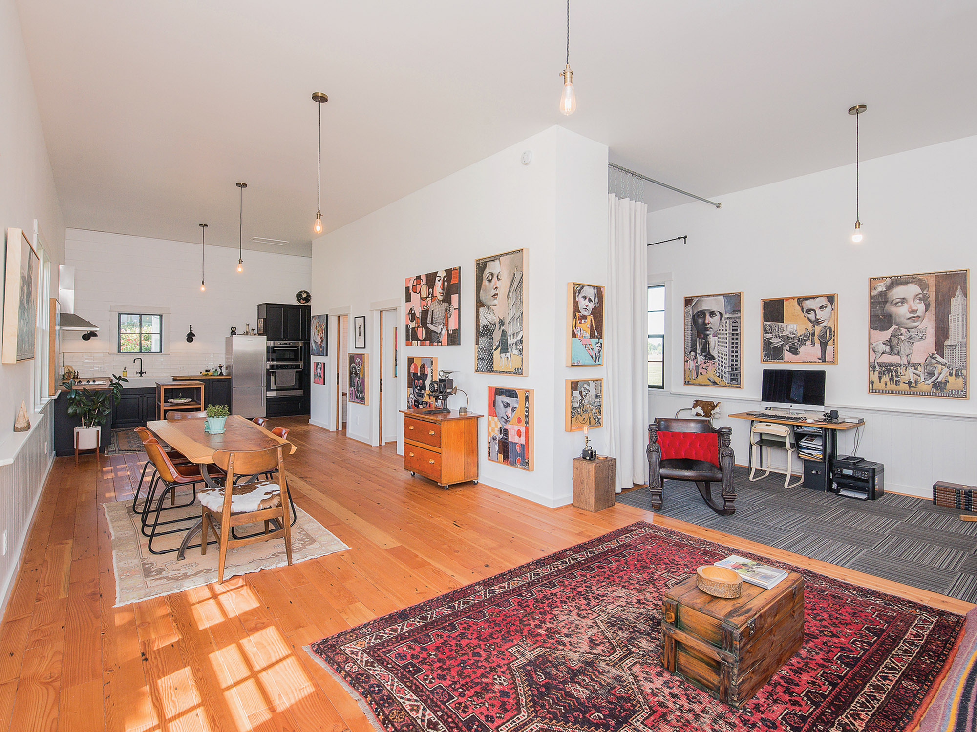 "The ""one-room"" open plan suited the owner, who uses the space as both home and studio."
