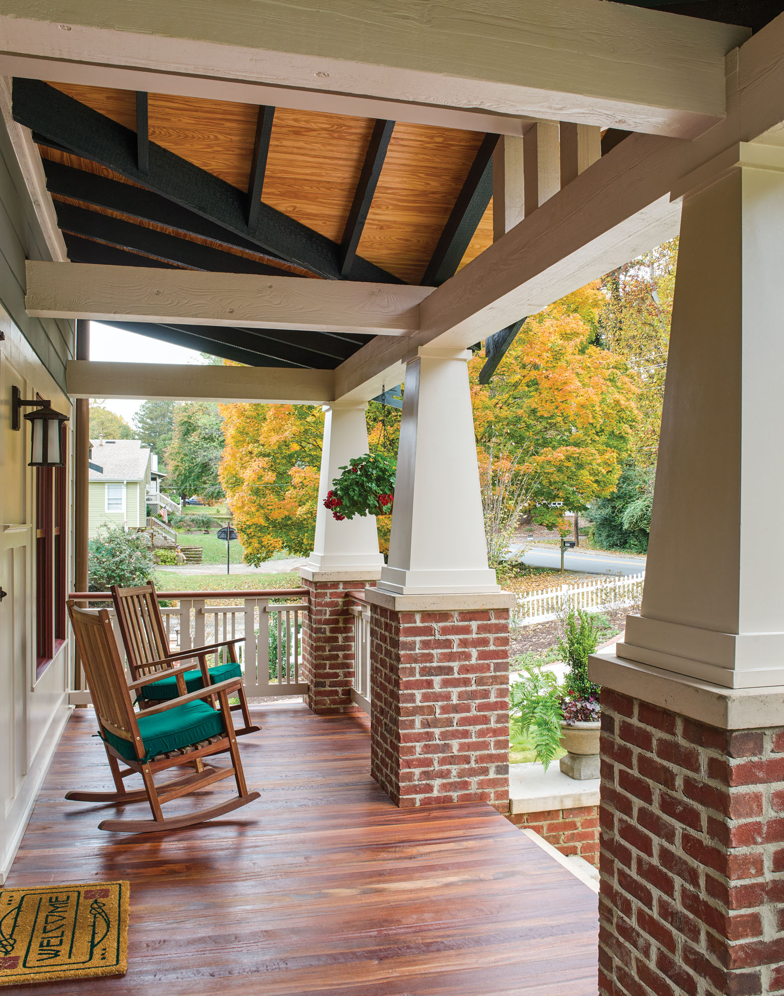 Craftsman porch, Craftsman columns