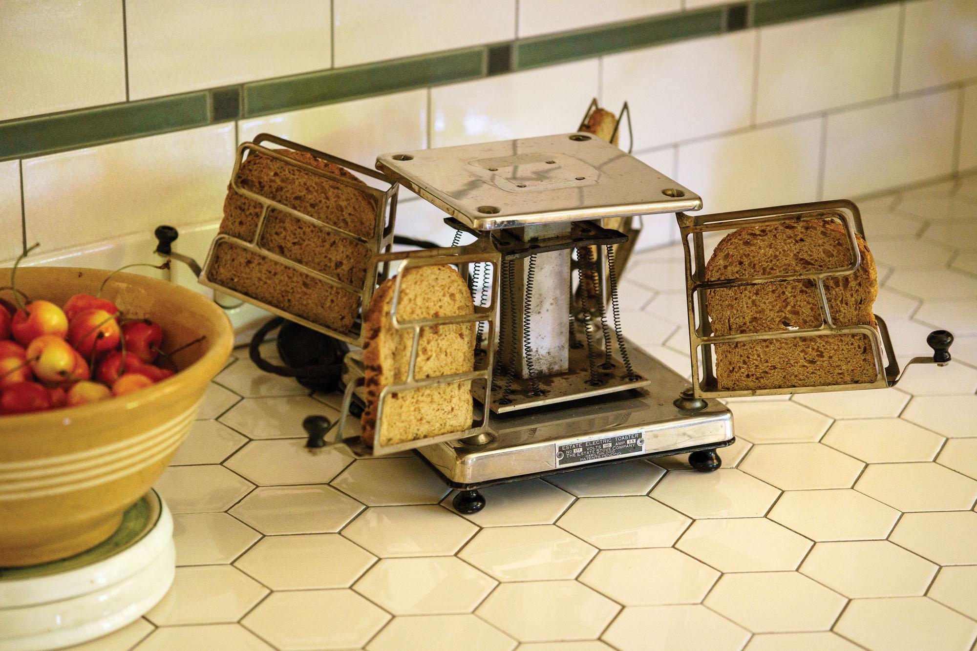 vintage toaster.