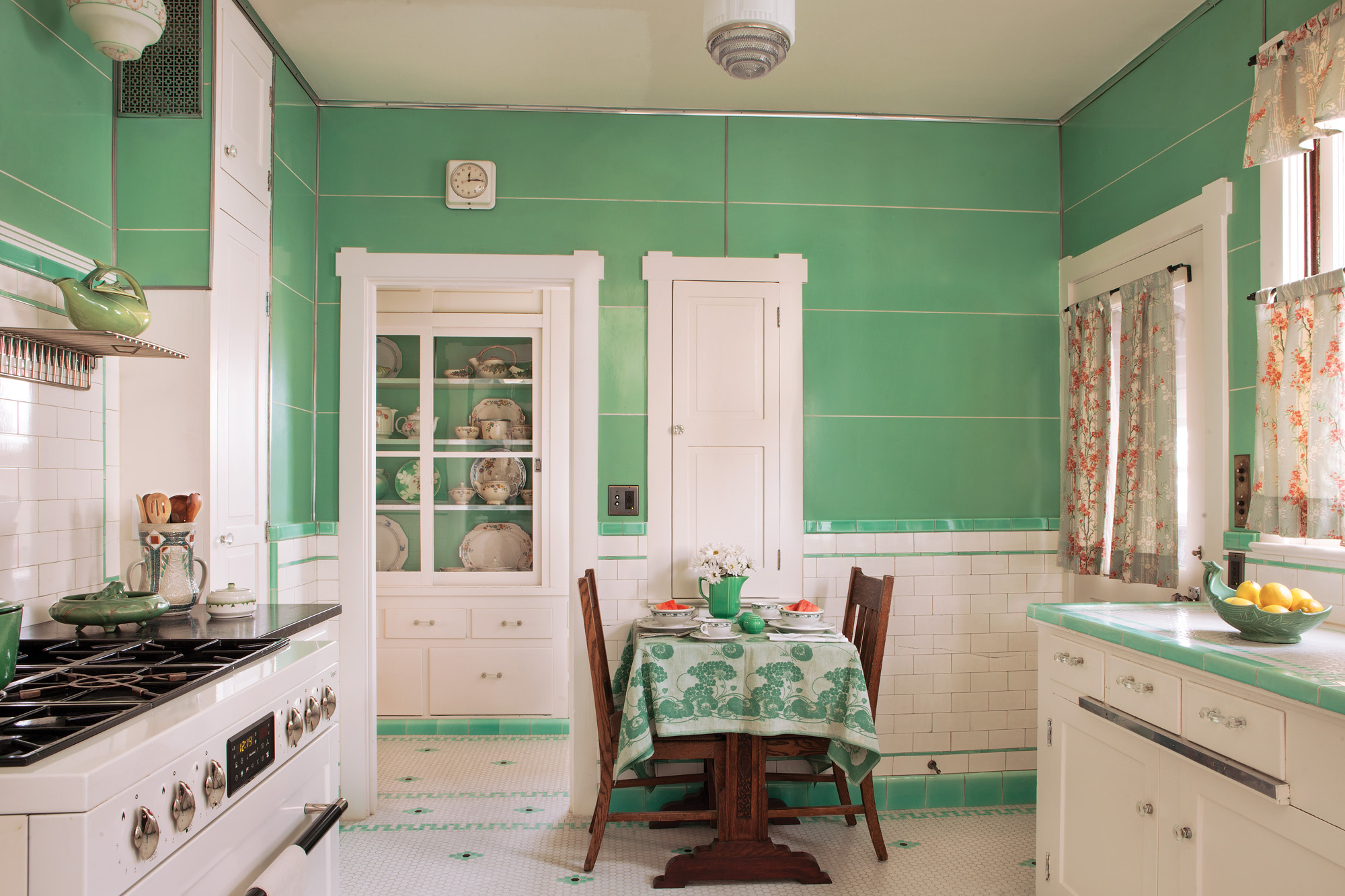mint green deco kitchen