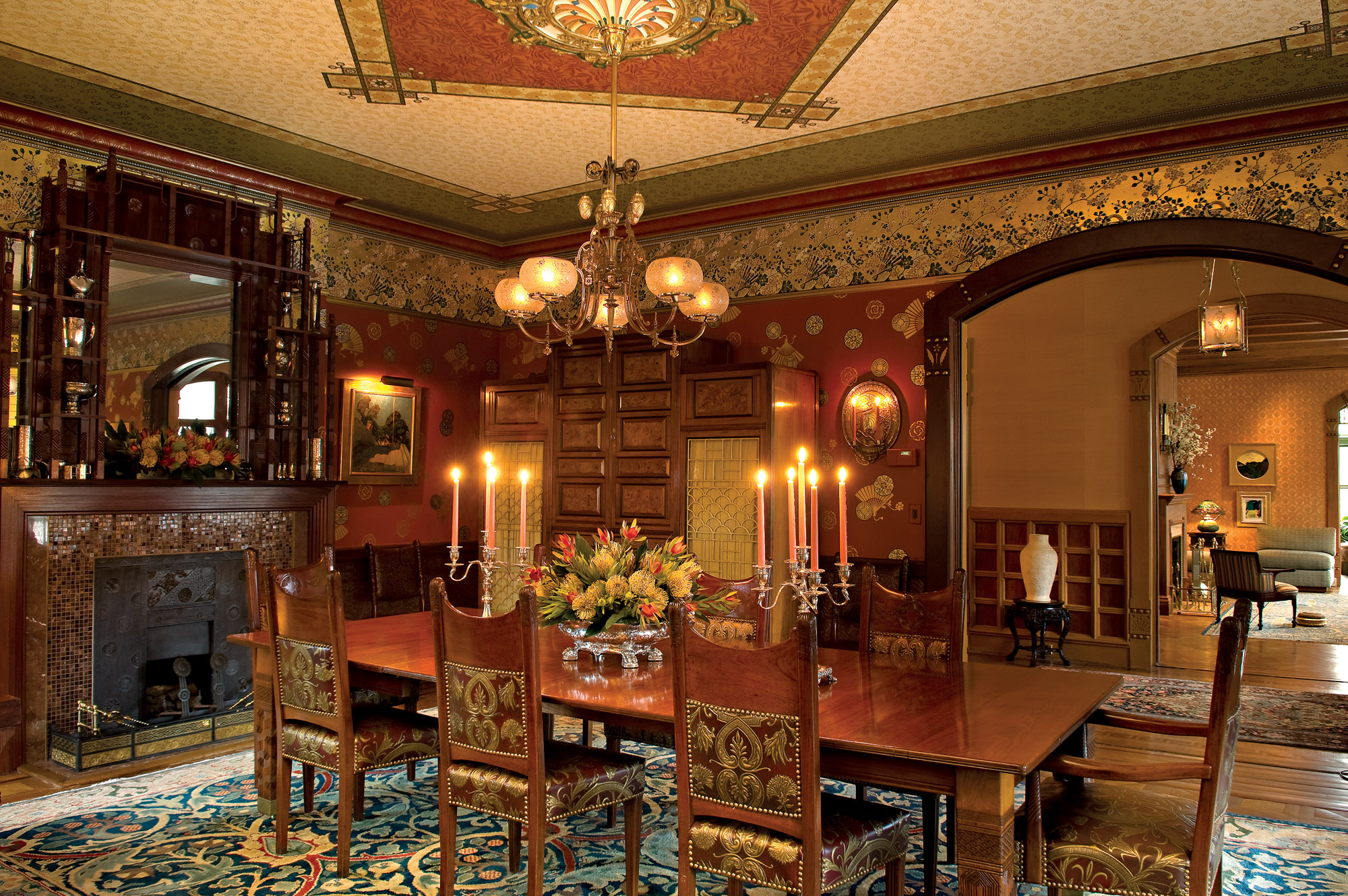 1882 Queen Anne dining room
