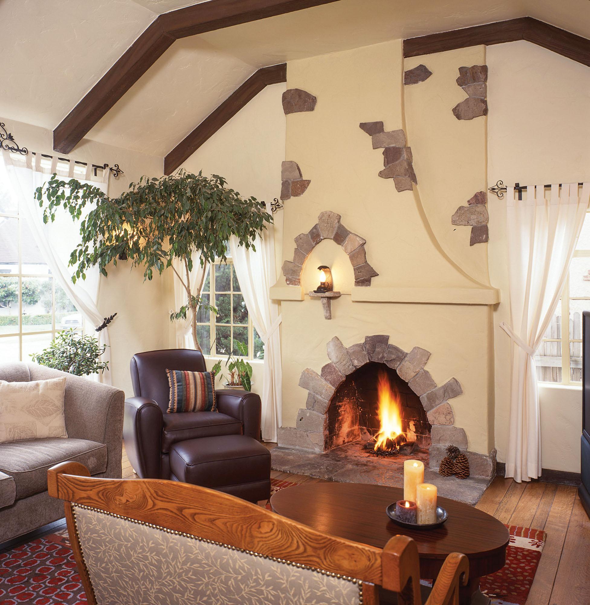 interior home by W.W. Dixon