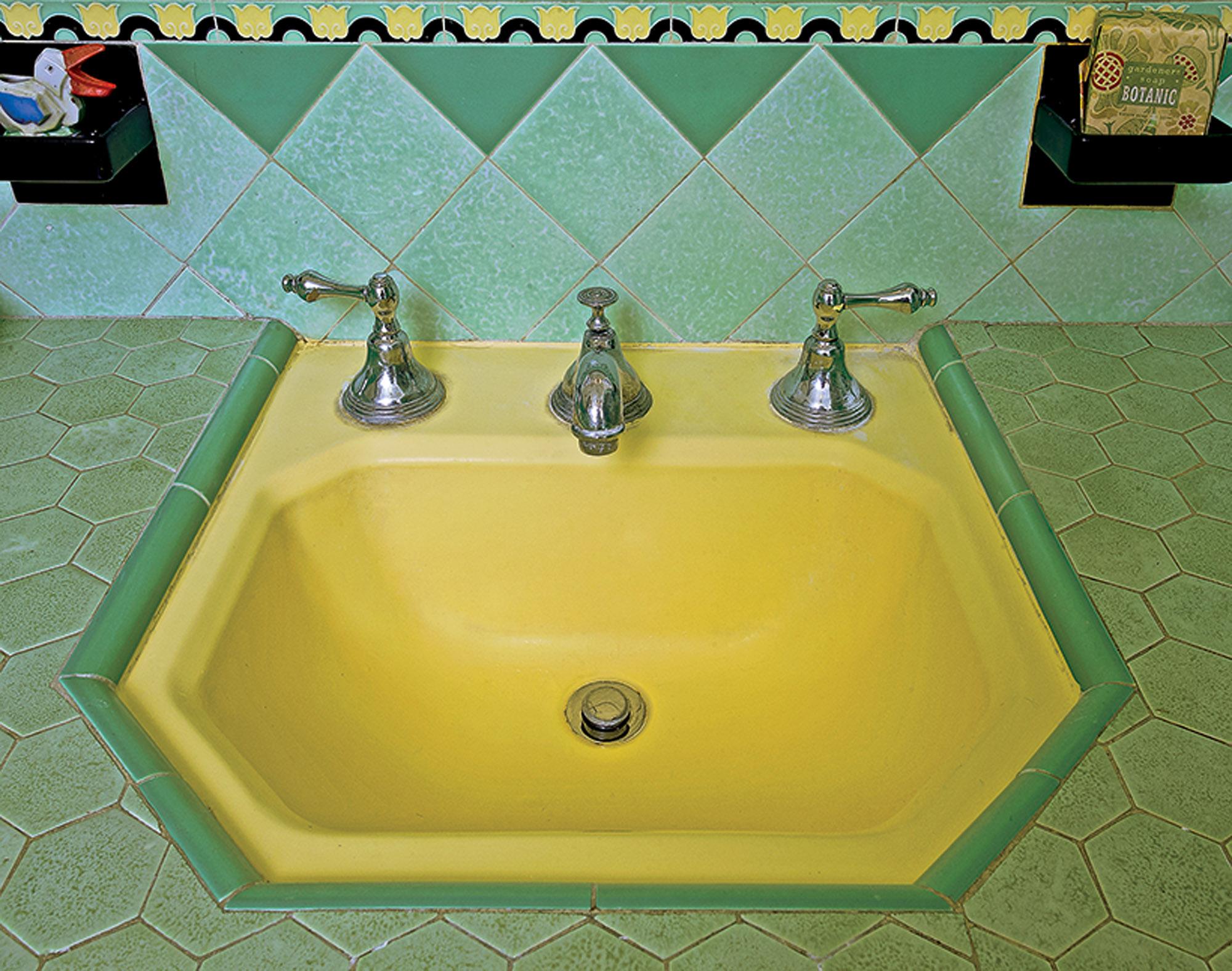 butter-yellow sink