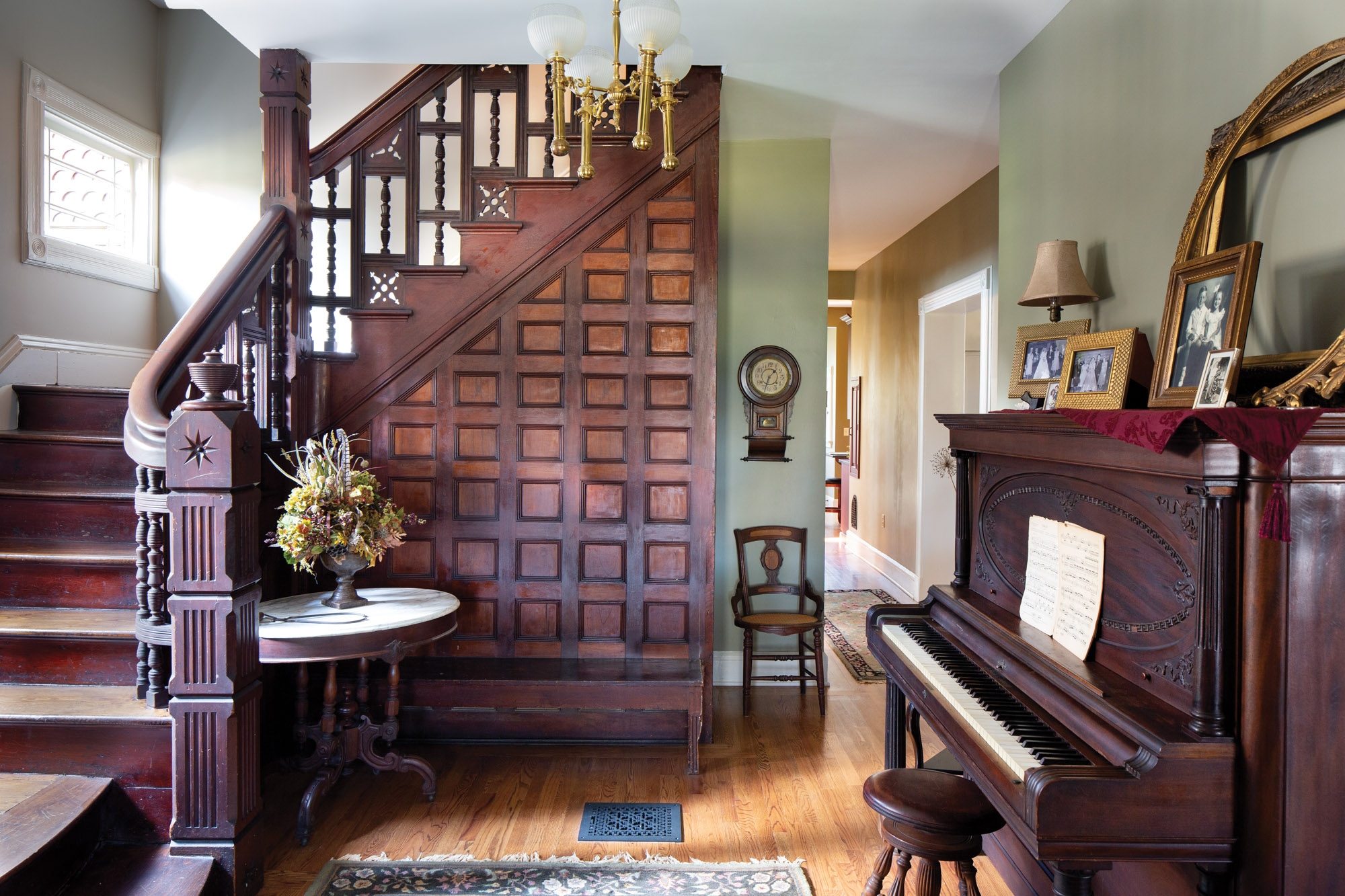 Queen Anne staircase