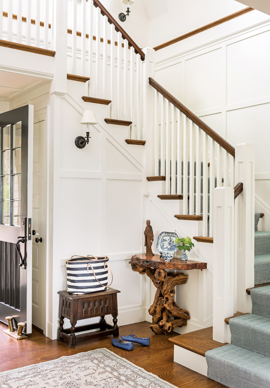 A combination of classic New England architectural design and natural elements.