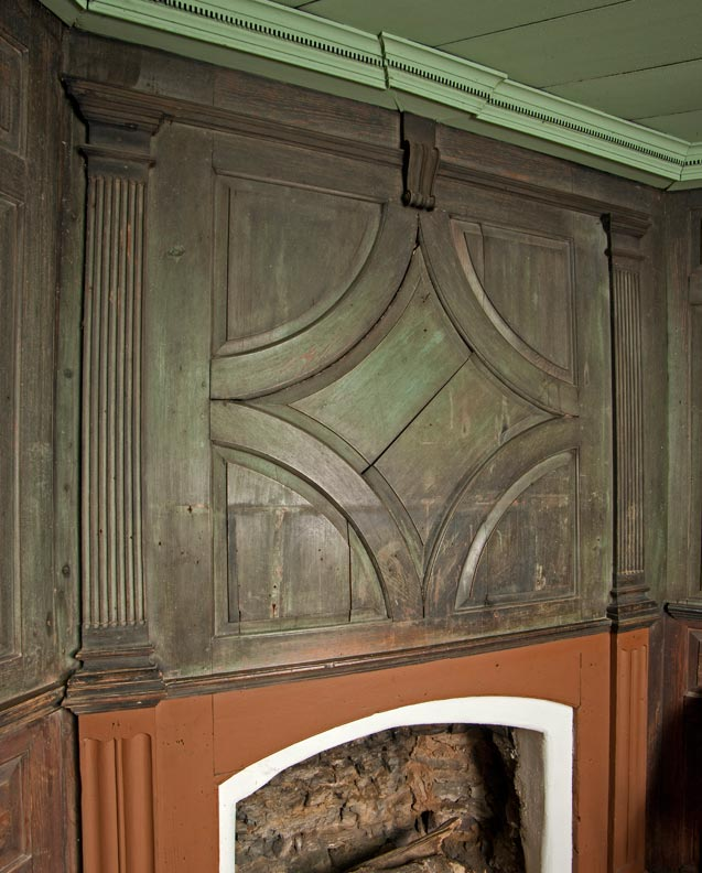 A detail of the Georgian-era woodwork in the parlor.