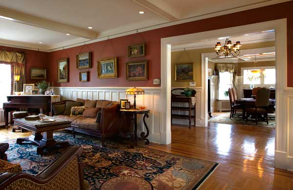 A welcome characteristic of Hapgood houses in Mountain Lakes, New Jersey, is the open floor plan featuring large, well-proportioned living spaces radiating from a broad entry hall.
