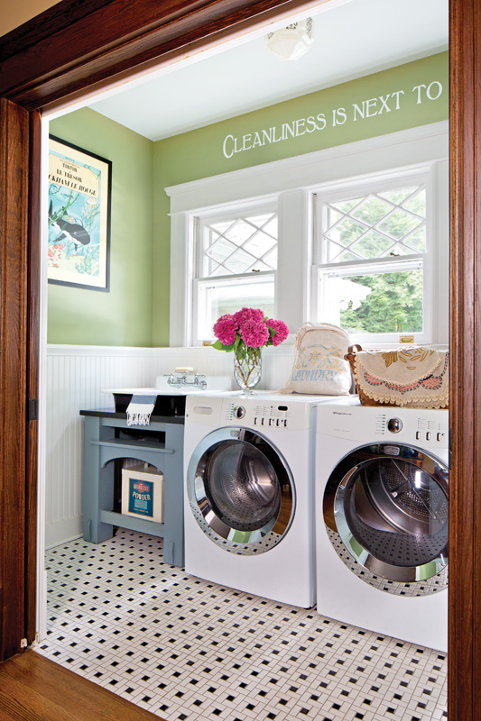 A well-equipped laundry.