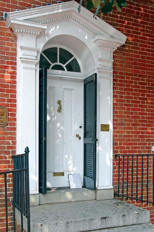 The doorway of the 1762 Upton Scott House exemplifies Georgian splendor.