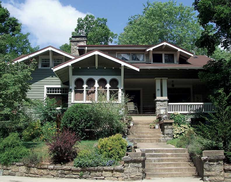 Montford is one of Asheville's many walkable neighborhoods, and includes such architectural gems as the Asian-flaired Arts & Crafts Keyhole House.
