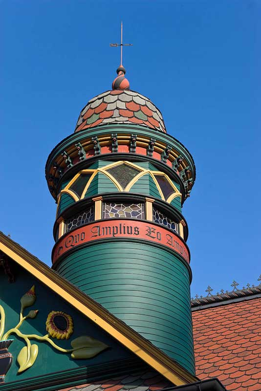 Author Brian Coleman used CertainTeed composition shingles when he added a decorative turret. Photo: William Wright