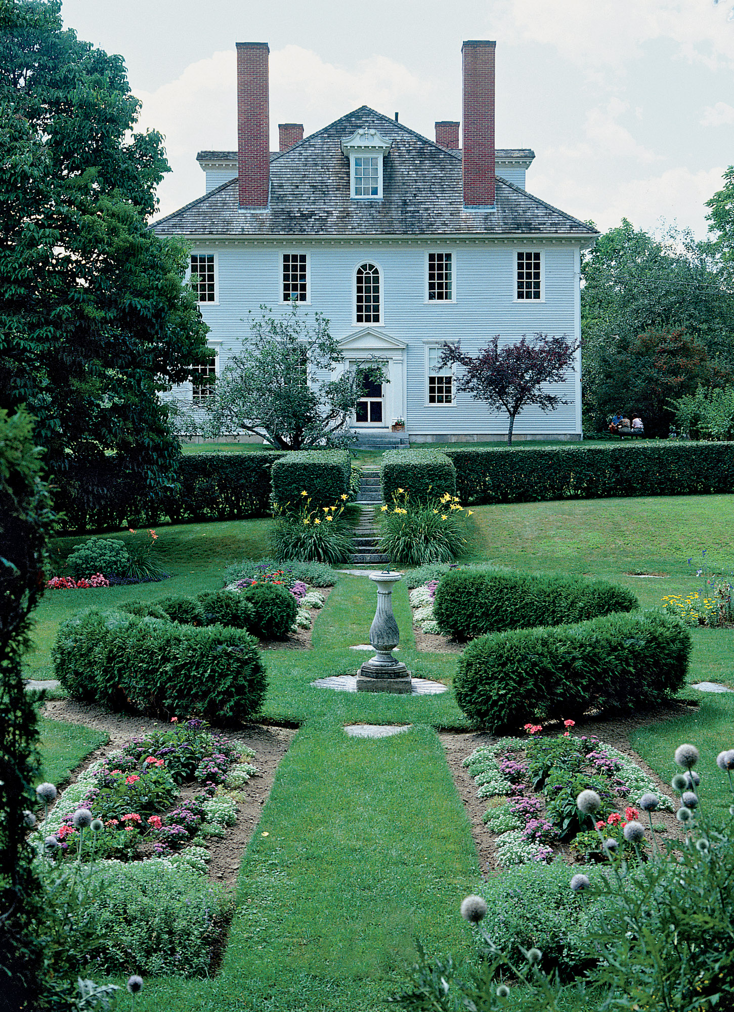 Hamilton House in South Berwick, Maine, is a great study example: a hipped-roof Georgian of 1785, it was restored and its garden interpreted during the early days of the Colonial Revival. The garden becomes an extension of the architecture.