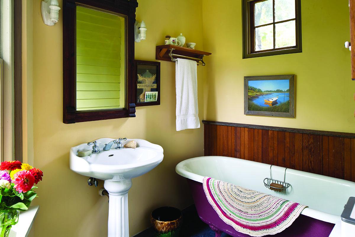 Italianate bathroom