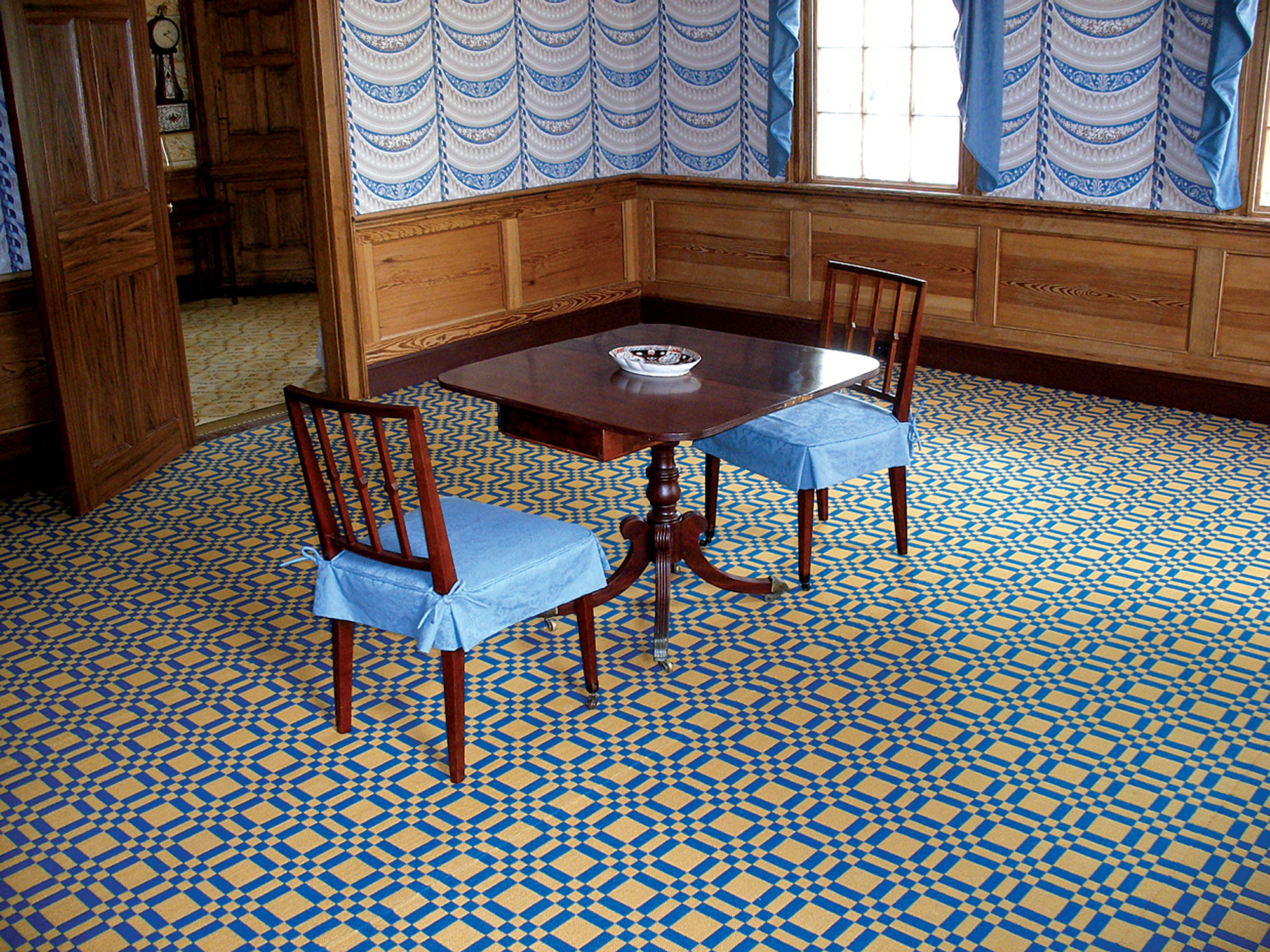 Simple blue seat covers, Georgia house museum