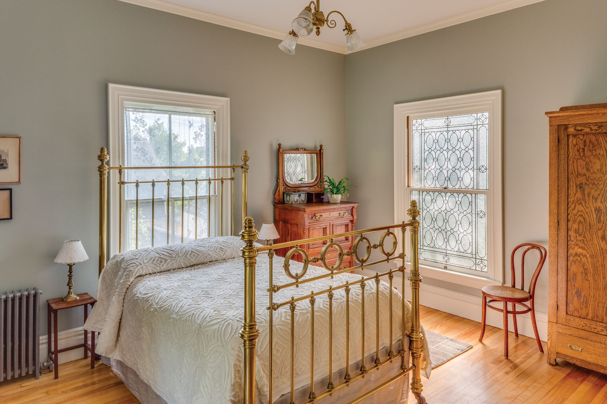 Italianate bedroom
