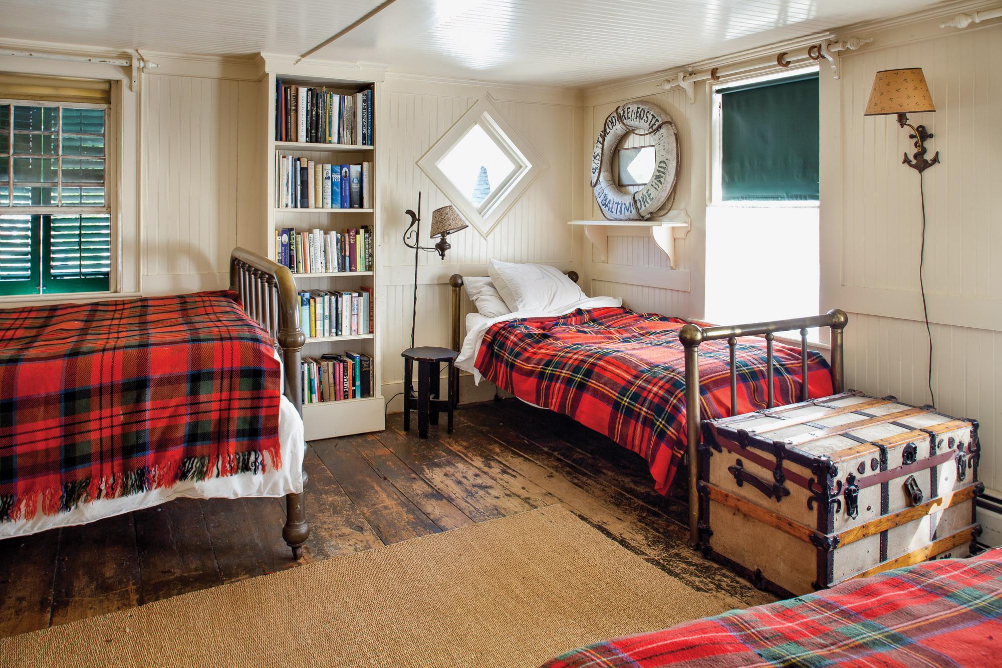 cottage brass beds