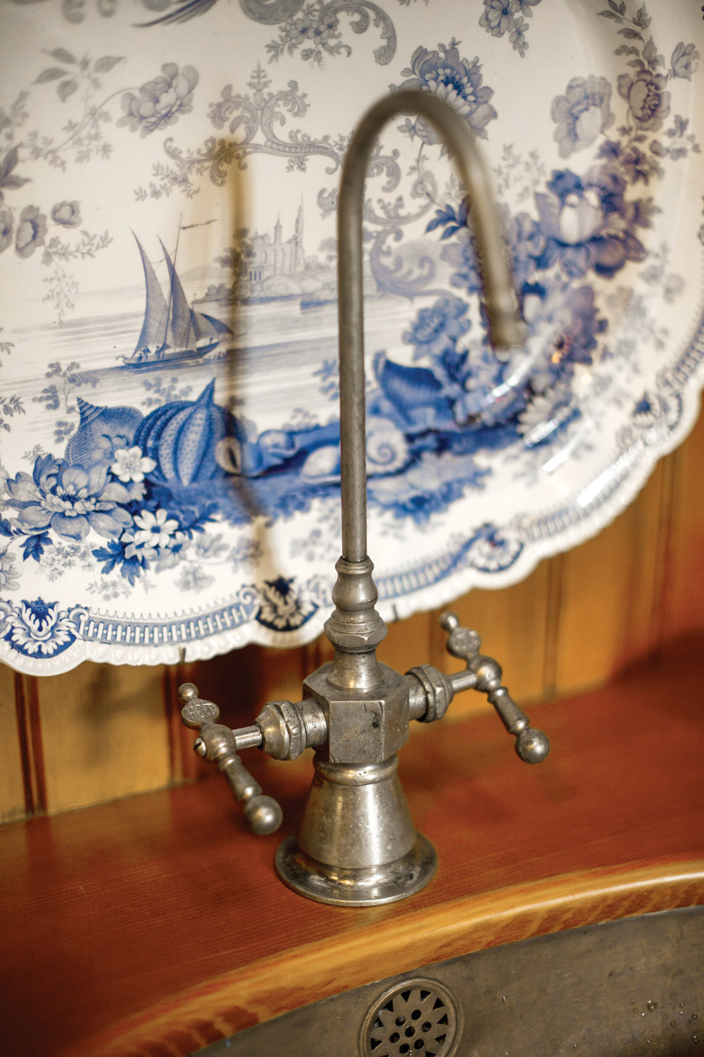 Butlers swingfaucet_IMG_3116_gn_1