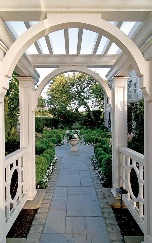 Designing a Historic Georgian Revival Garden