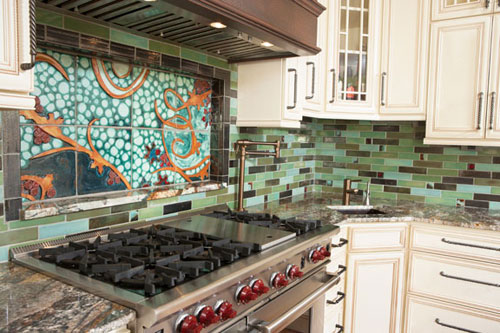 clay-squared_kitchen-mural-left-side-angle