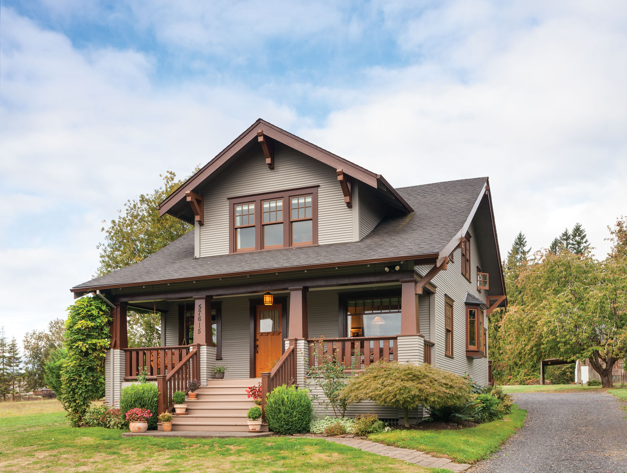 Semi-bungalow with Craftsman details