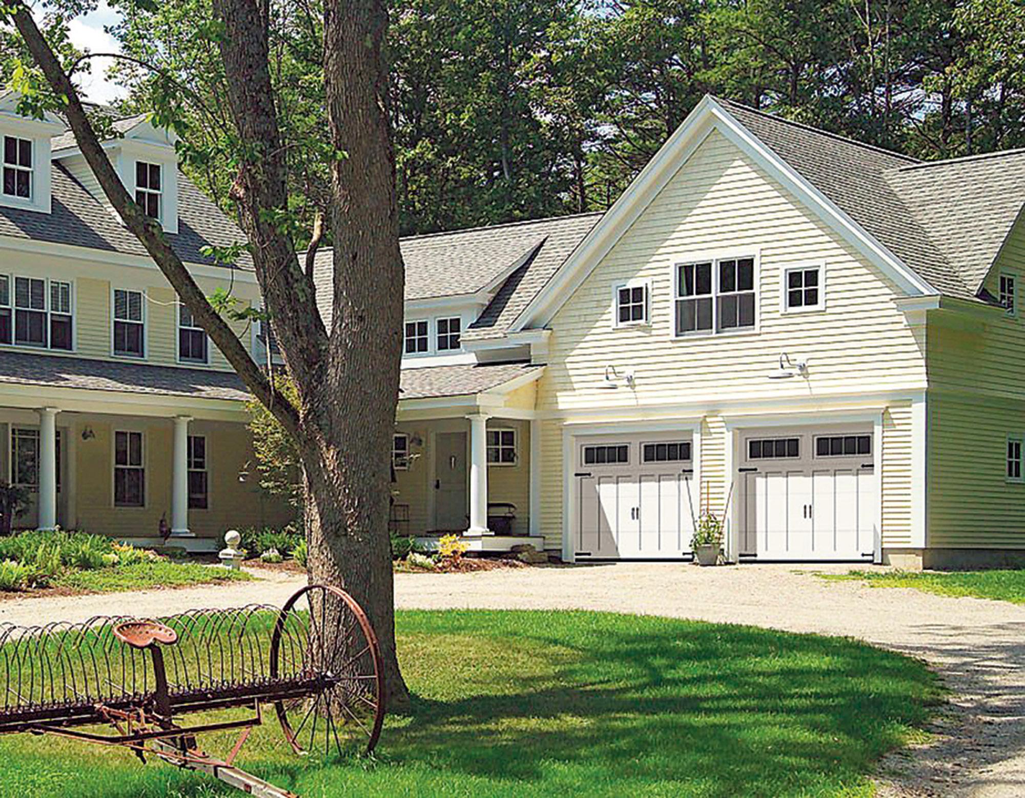 New England style garage