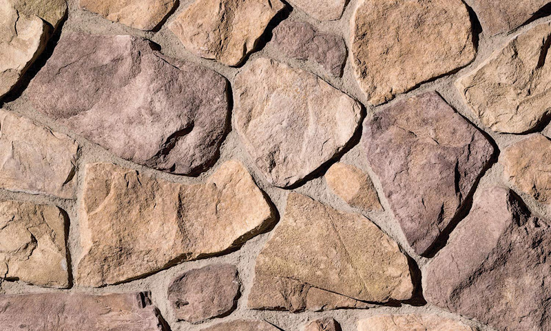 """Country rubble"" stone veneer"
