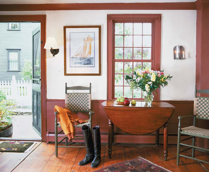 Board wainscot in a Federal house