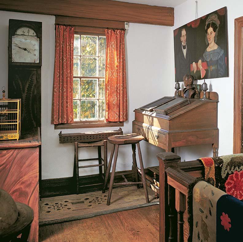 desk-history-early-desk-on-frame