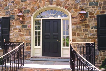 Side and top lights define Federal entrances. (Photo: Historic Doors)