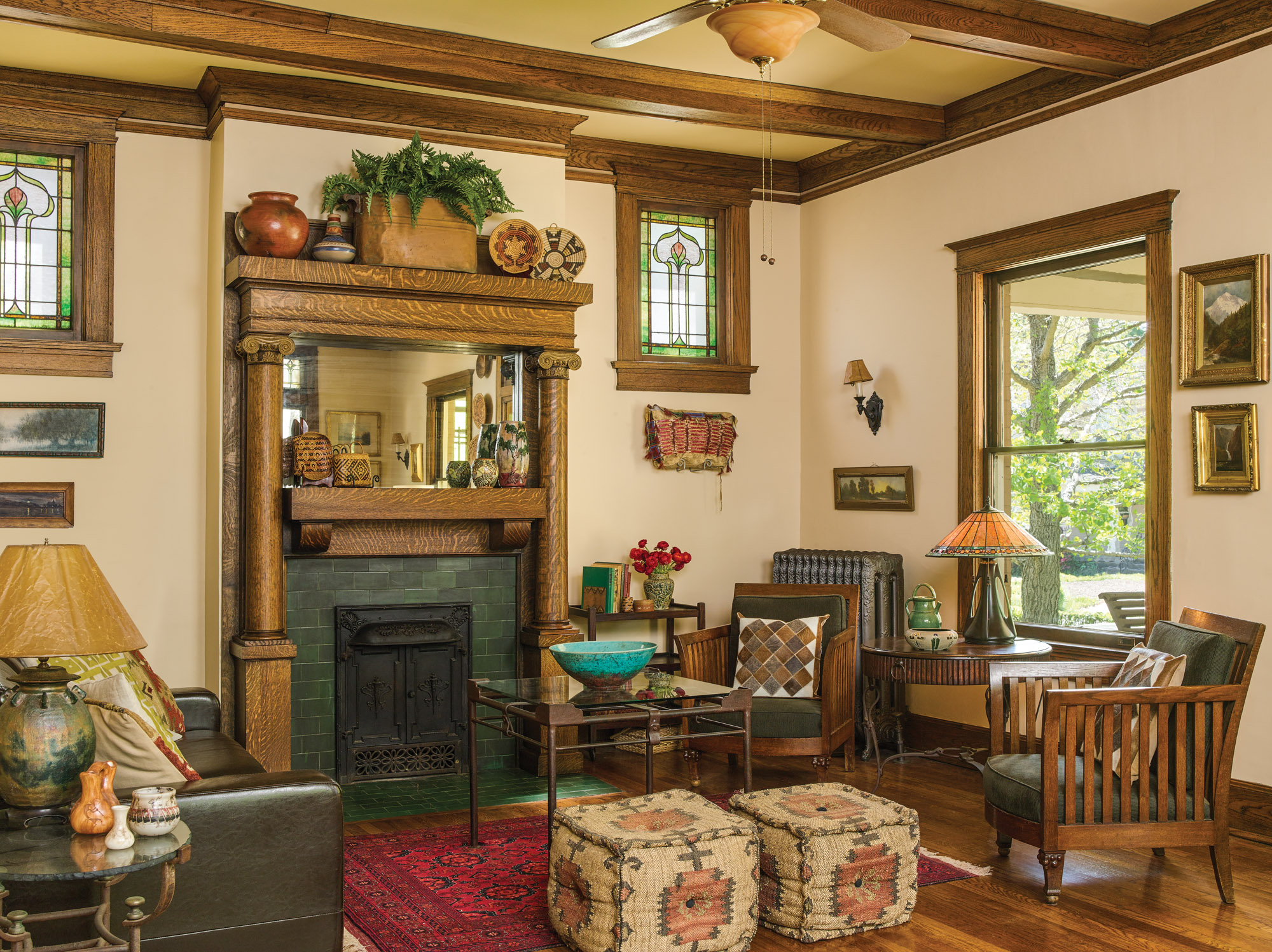 Prairie style American Foursquare living room