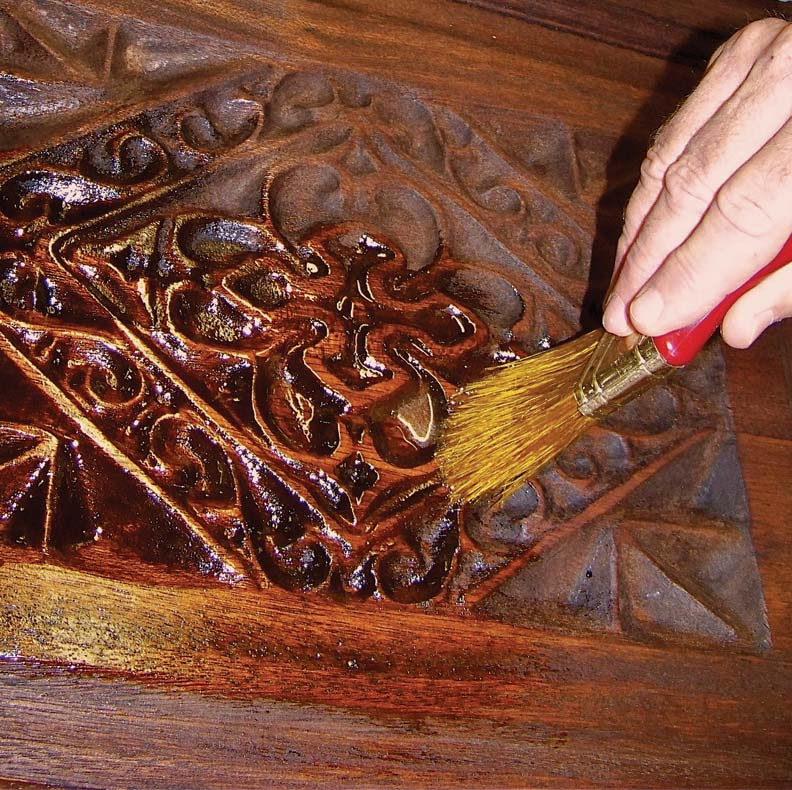 Applying the varnish