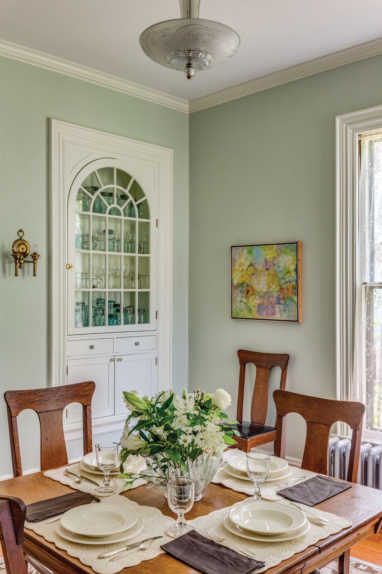 Italianate dining room, built-in hutch