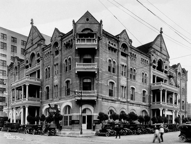 The hotel in the early 20th century.