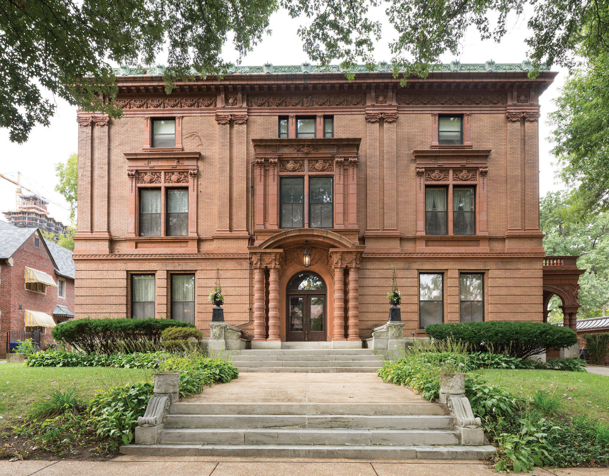 The imposing Beaux Arts mansion sits in leafy Westminster Place, a private neighborhood of late-19th-century homes. The Inaugural Breakfast of the 1904 World's Fair was held here.