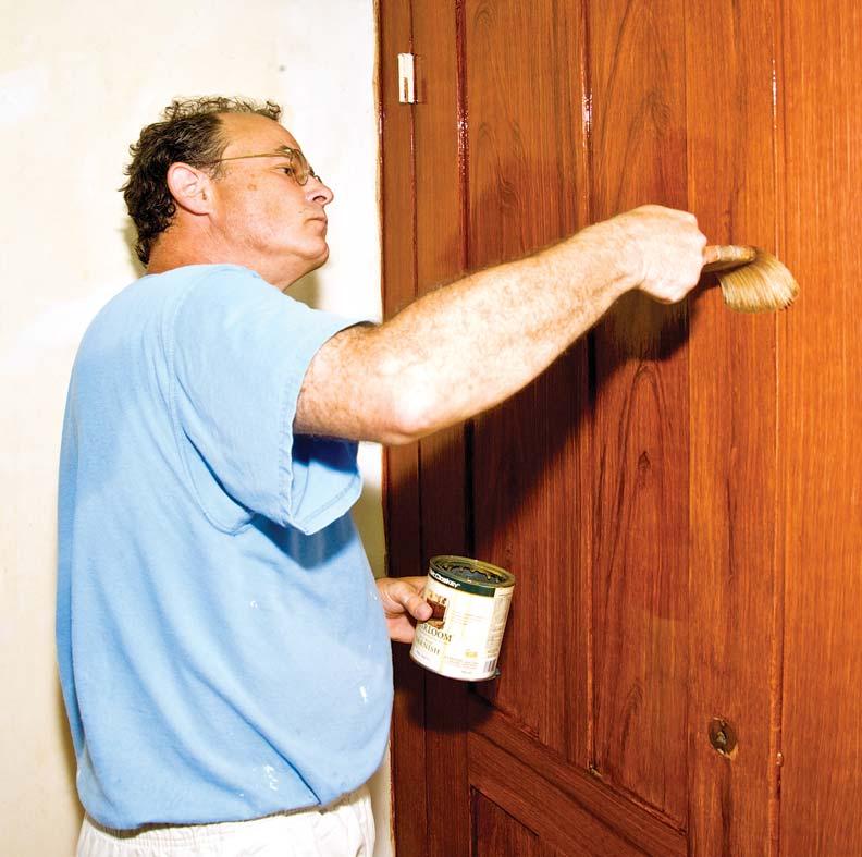 Faux wood graining varnish coat