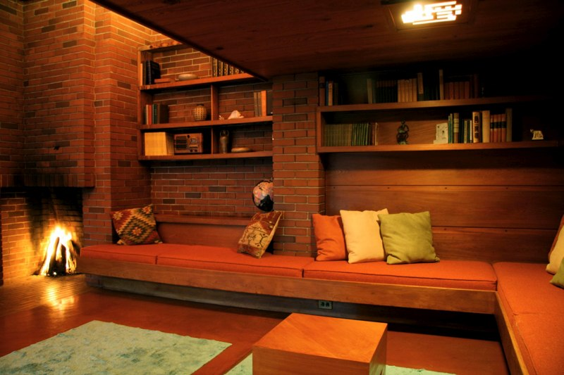 Bernard Schwartz House lounge, Frank Lloyd Wright houses Wisconsin