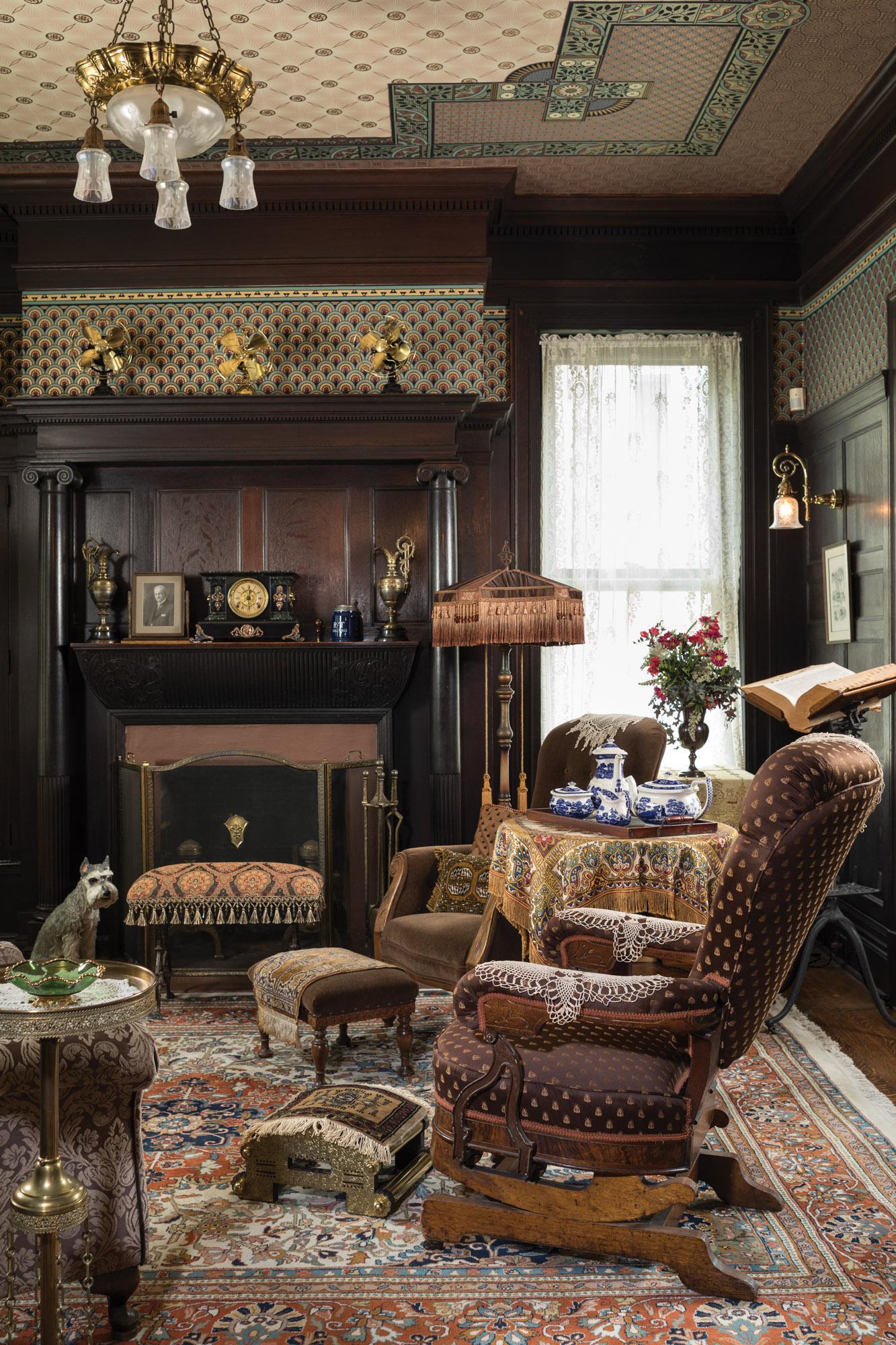 Gentlemen's parlor