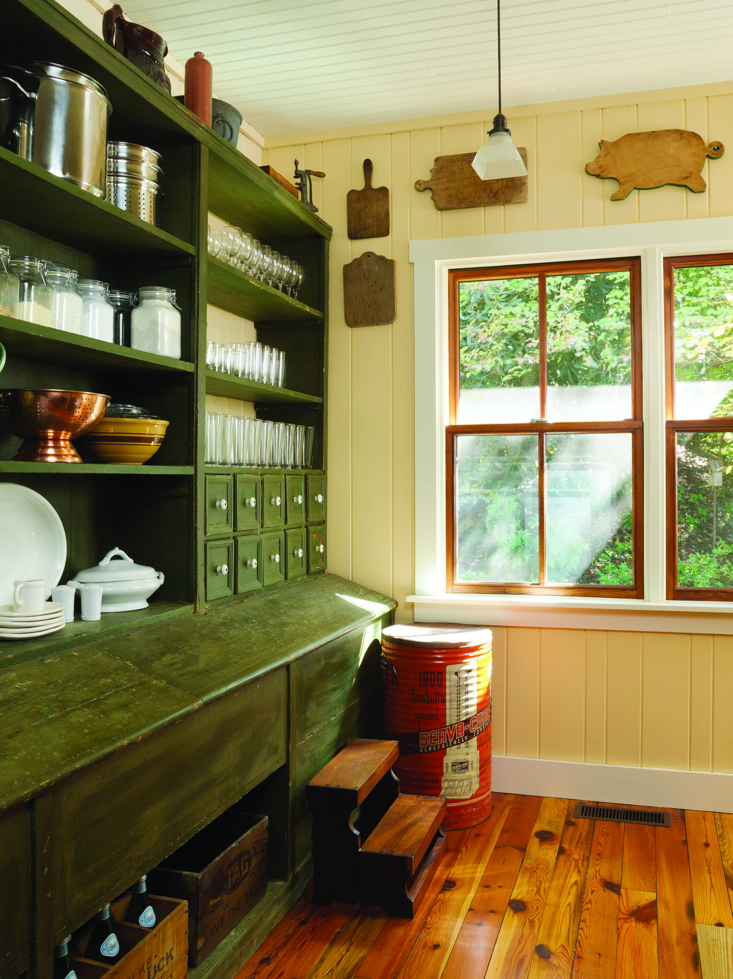 GridleyGraves_Edwards_Pantry_gn
