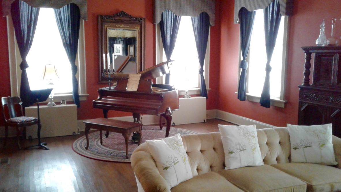 Happi Manor Lounge Area 1_1024