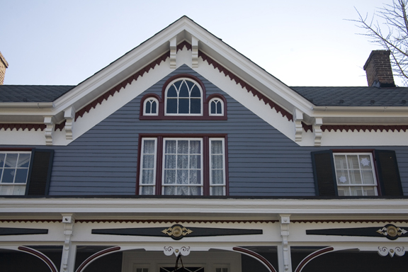 i house gable detail