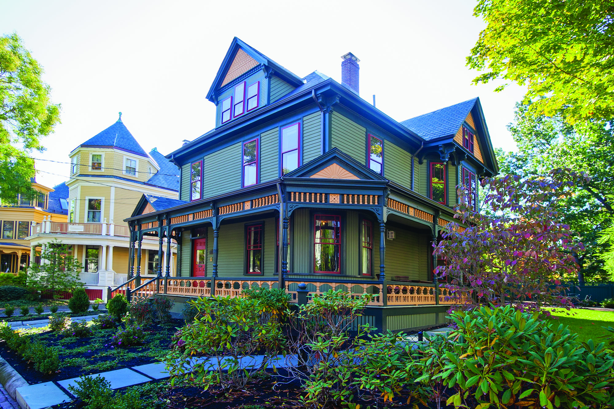 The homeowner worked with the local historical commission to determine the original paint colors.