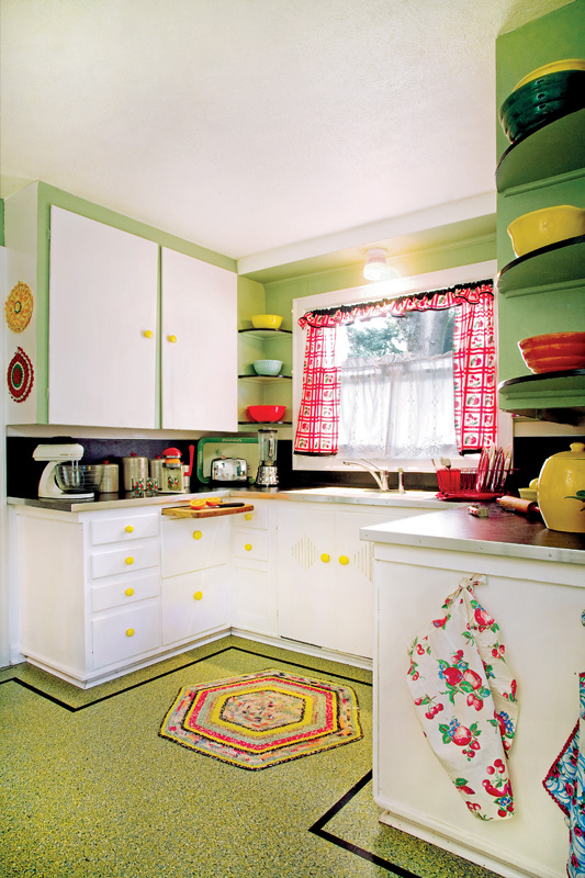 Marmoleum kitchen